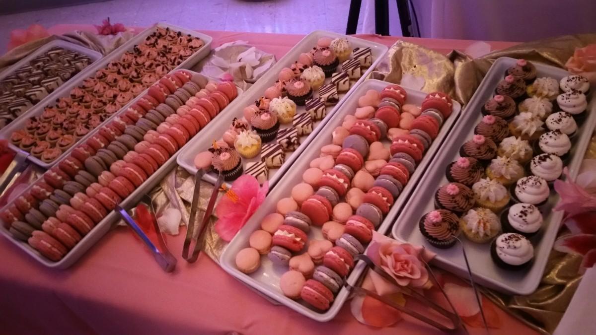 Macrons, cupcakes, dessert